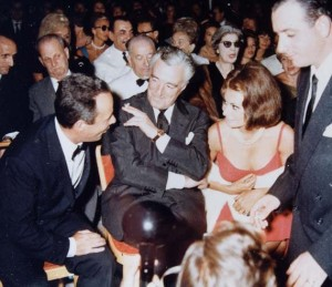 Una foto di Sophia Loren e Vittorio de sica.