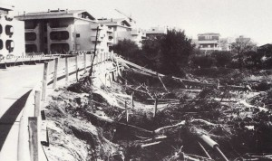 Alluvione del 1981: la curva sulla via Aurelia all'altezza del fosso dello Sciatalone