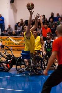 Una partita di Basket in carrozzina.
