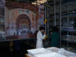 La foto del restauro di un'opera d'arte.