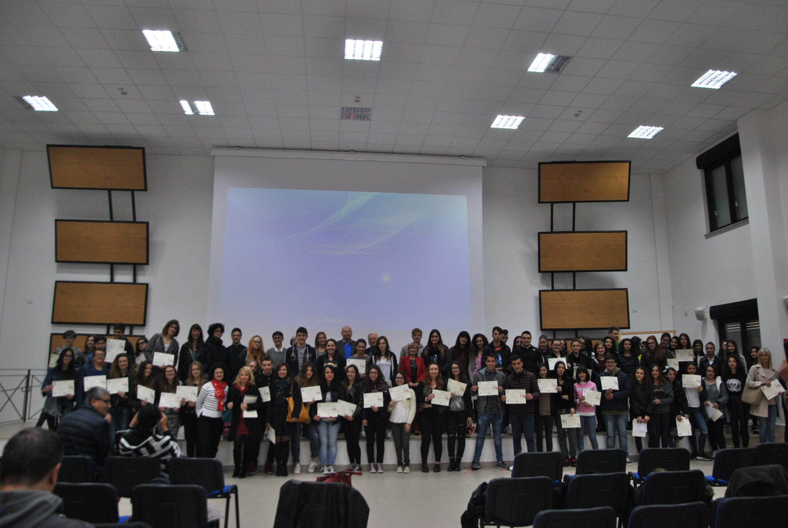 Allo Stendhal l'A.M.O.P.A. premia gli studenti del comprensorio.