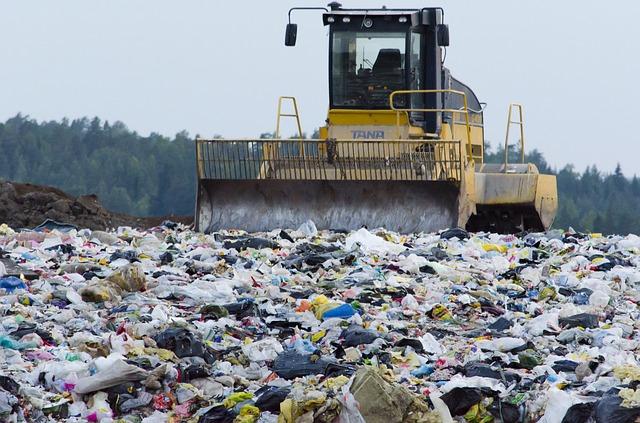 Emergenza rifiuti: lo scontro si sposta da Roma a Ladispoli