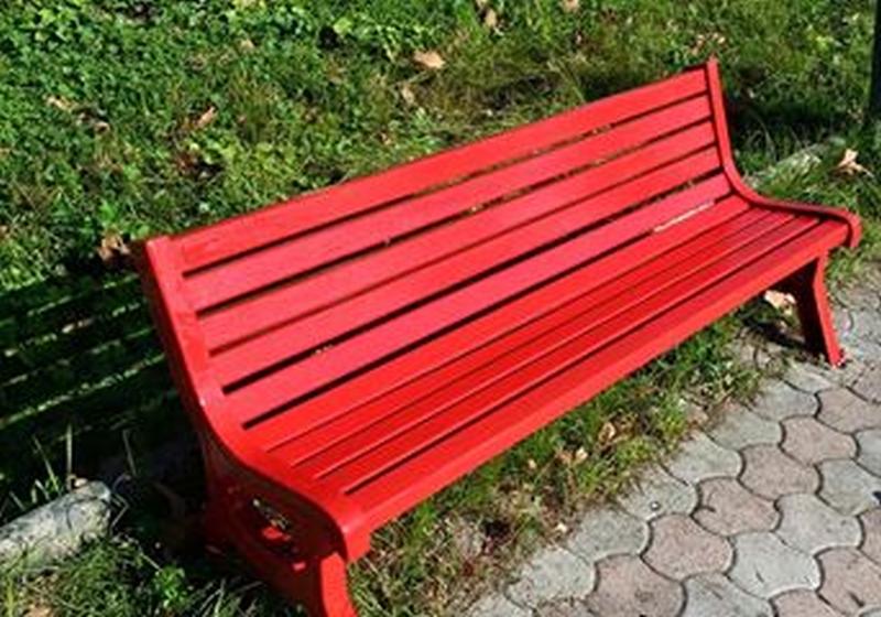 Unicef: una panchina rossa per non dimenticare