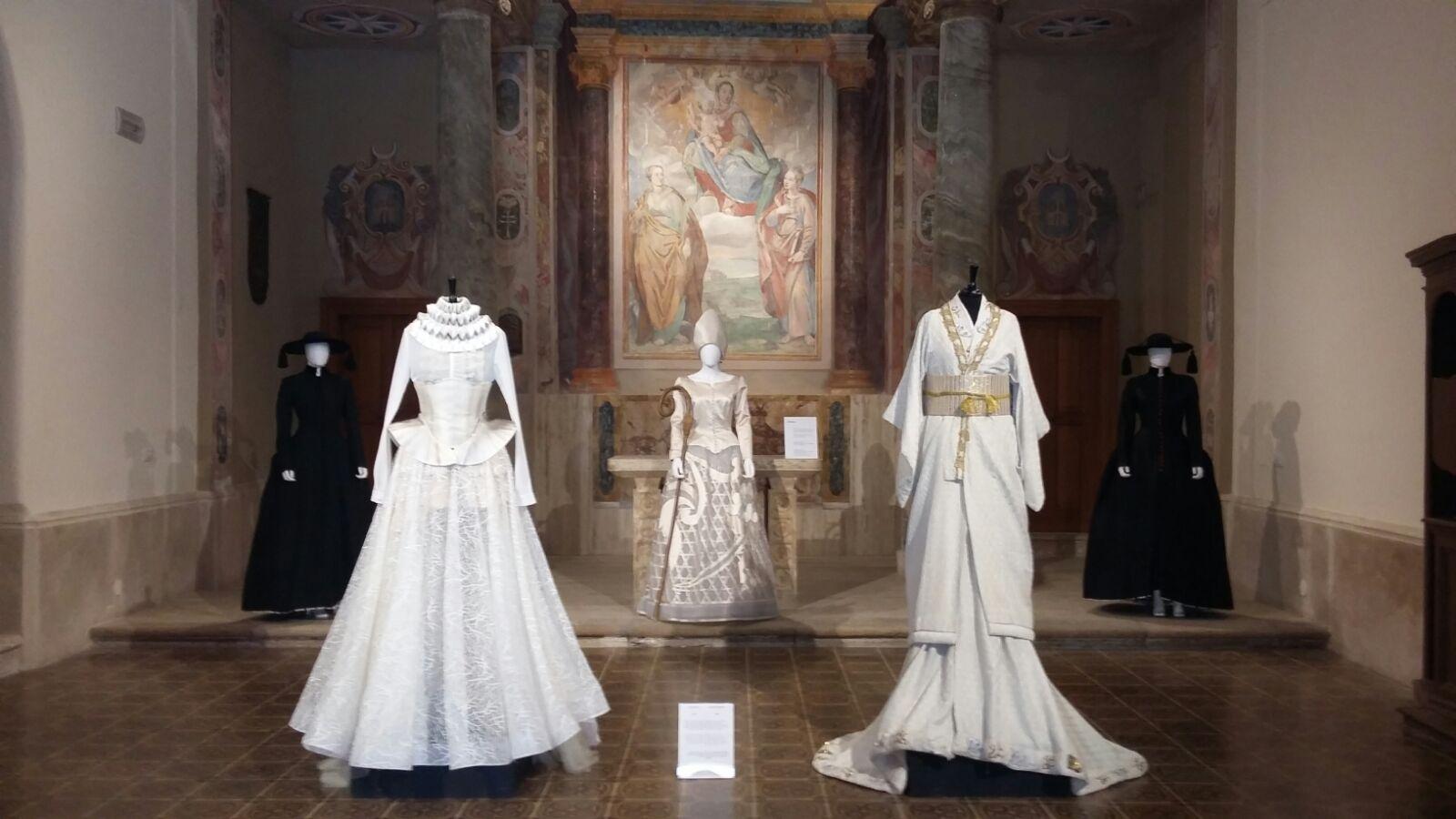 """Castello di Santa Severa: la mostra""""Giapponizzati. Racconti di un viaggio di moda""""prorogata fino al 15 febbraio"""