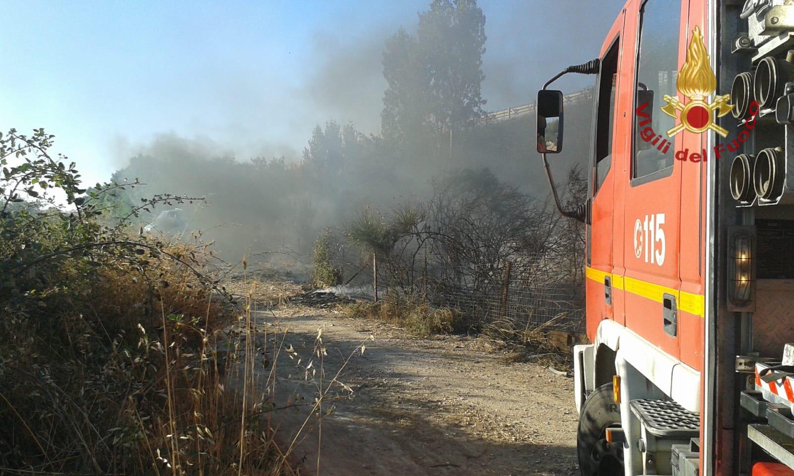 Fiamme a Prato del Mare: in fumo due ettari di terreno