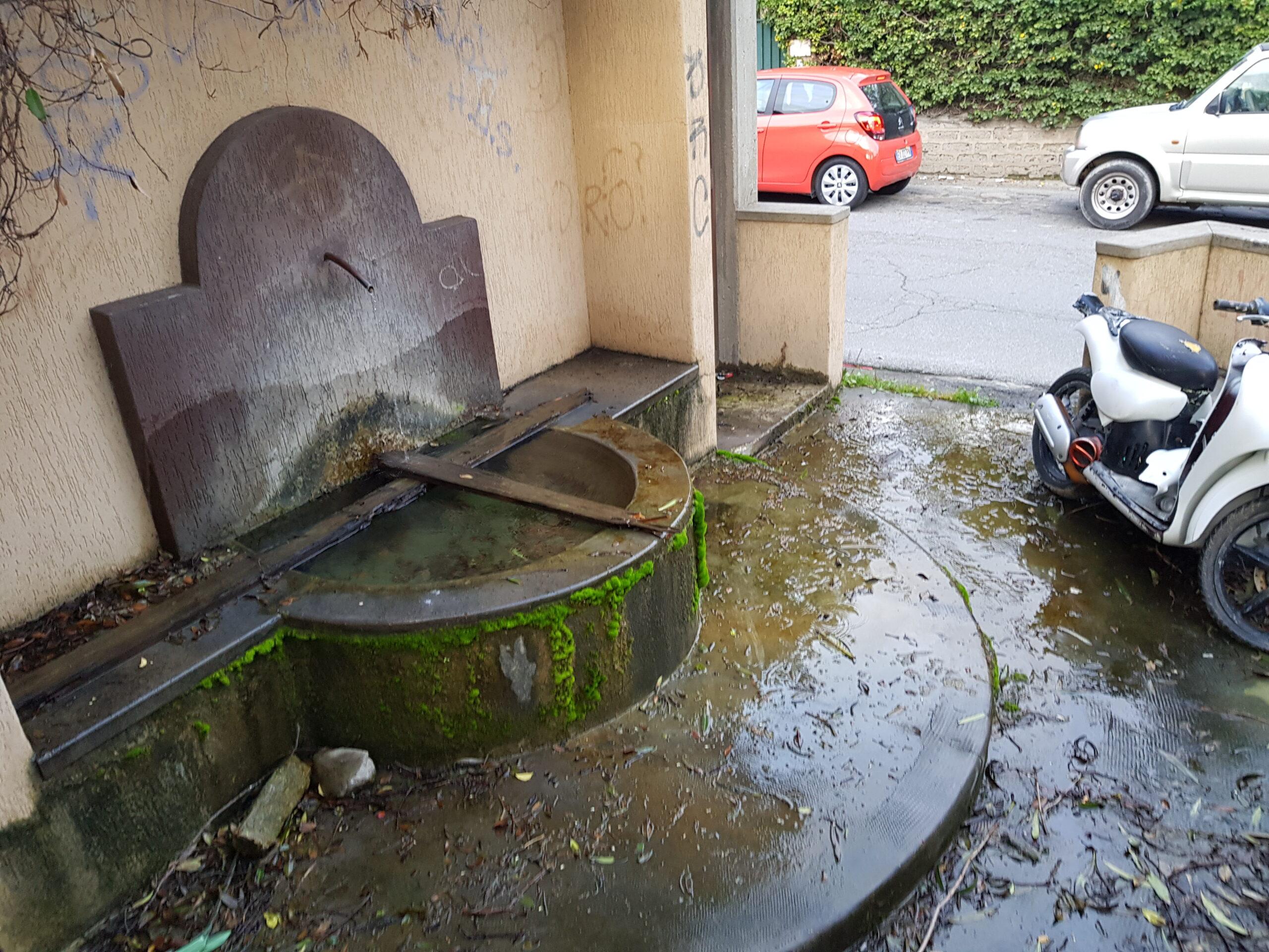 Un pezzo della storia di Santa Marinella all'abbandono: disavventure del vecchio fontanile