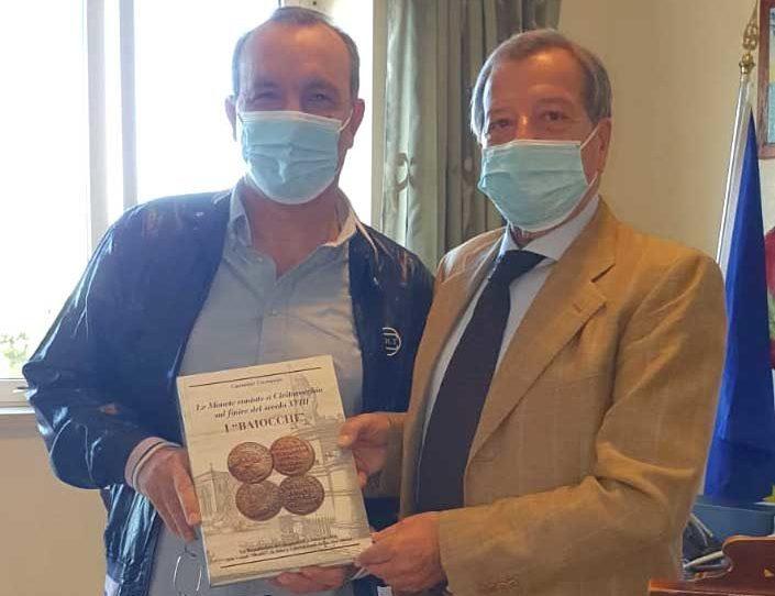 Carmine Costanzo: il dipendente comunale con la passione per la numismatica